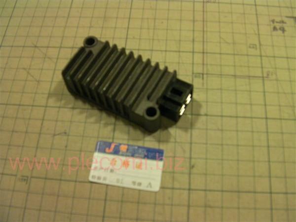 マジェスティ125 シグナス T D 4CW (ビラーゴ250)レギュレーター 4ピン 社外 A級品