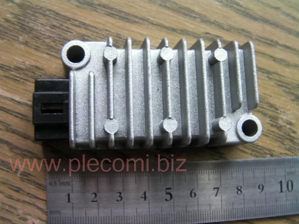 マジェスティ125 シグナス T D 4CW (ビラーゴ250)レギュレーター 4ピン 社外 A級品 シルバー 銀色