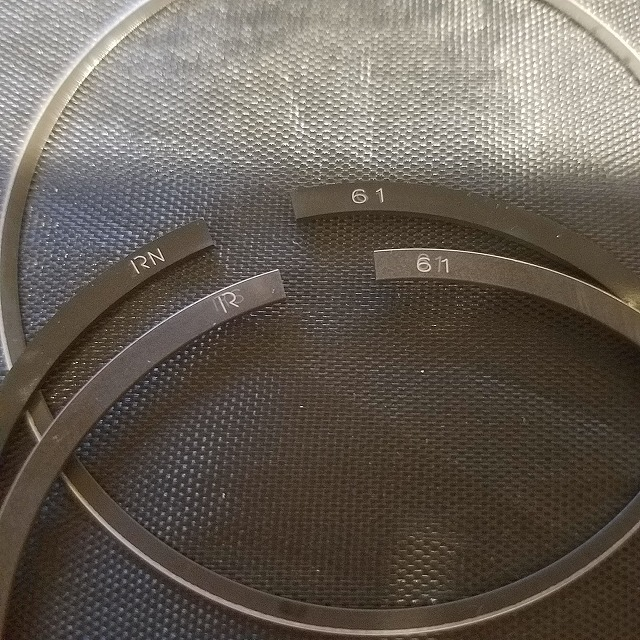 61.0mm ピストンリングセット 1*1*2 中国理研製 ベクスター 150用 JF03などに